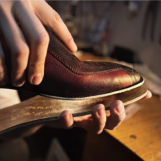 Adhesive Glue for Leather Shoes